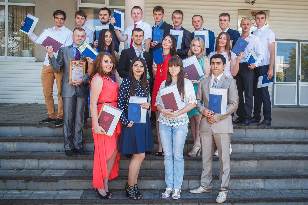 Торжественное вручение дипломов МИ ВлГУ Торжественное вручение дипломов 2016